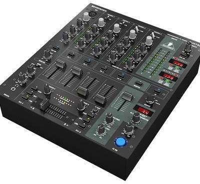 Behringer Pro Mixer DJX 750